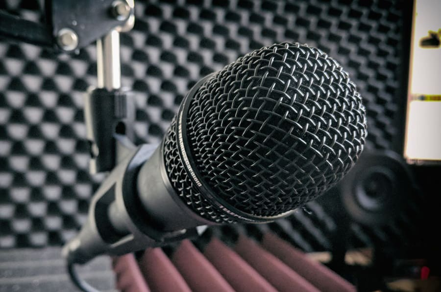 Best Dynamic Microphone For Your Studio
